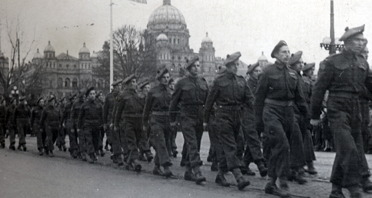 Members of the Canadian Scottish Regiment returning from Europe, Victoria B.C.
