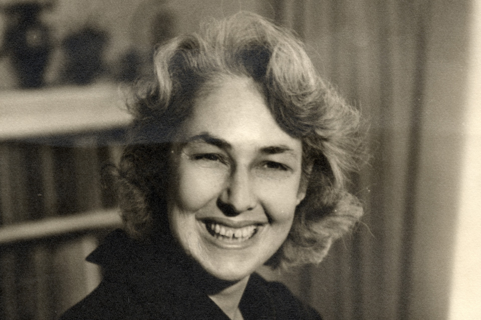 Portrait of Edith Iglauer smiling